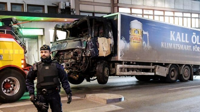 По делу о нападении в Стокгольме арестованы два человека