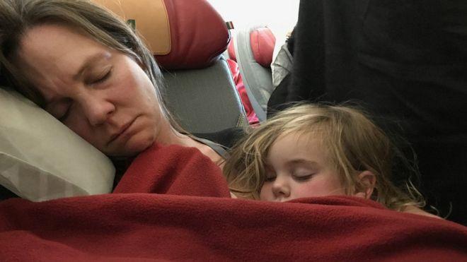 Uçak inerken asla uyumayın: Sağır olabilirsiniz!