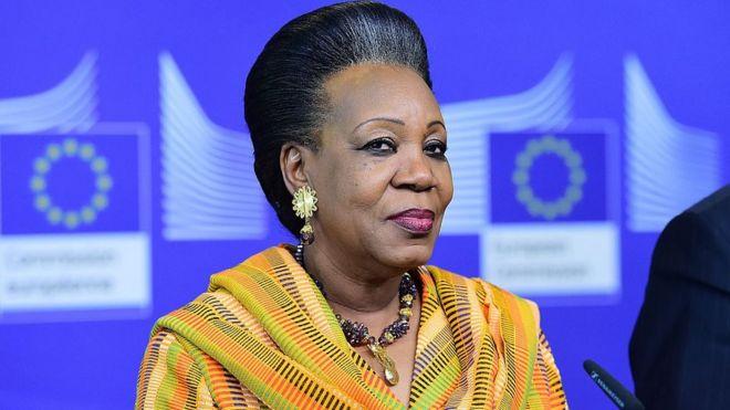 Catherine Samba-Panza est Chef de l'État de transition de la République centrafricaine du 23 janvier 2014 au 30 mars 2016, la première femme à diriger son pays.