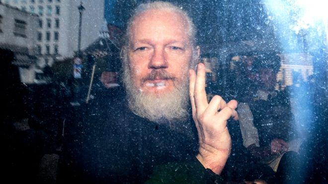 Julian Assange: Sweden drops rape investigation _106927934_gettyimages-1136256458