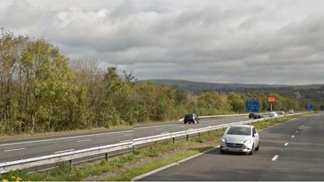 Bridgend M4 crash: Woman airlifted to hospital - BBC News
