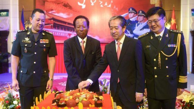 Đại sứ Trung Quốc Hùng Bá từng là Đại sứ Trung Quốc tại Campuchia