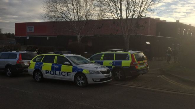 3bd4e6ae2 Large-scale rave at Kettering warehouse ends with 10 arrests - BBC News