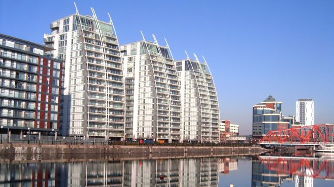 5f1c5aae Residents at Salford Quays apartments 'could face £10k cladding bill ...