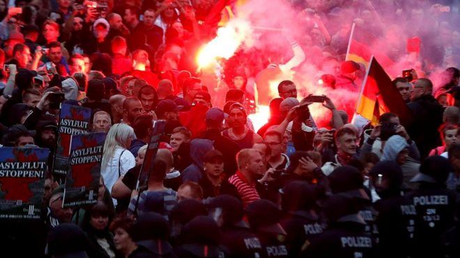 Многих в Германии напугали антииммигрантские акции правых экстремистов