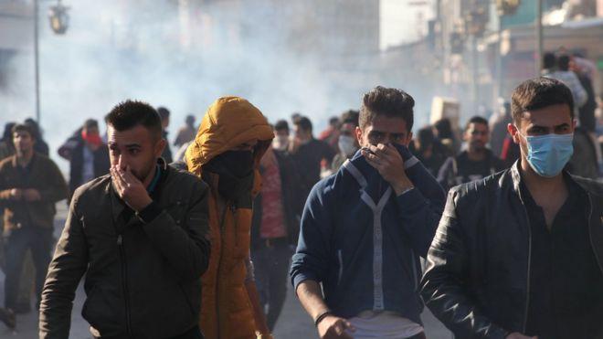 حكومة إقليم كردستان واجهت المتظاهرين بقنابل الغاز المسيل للدموع