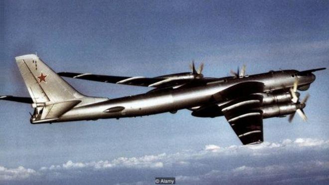 بمب تزار را یک بمبافکن تییو-۹۵ به محل آزمایش منتقل کرد که اسمش را
