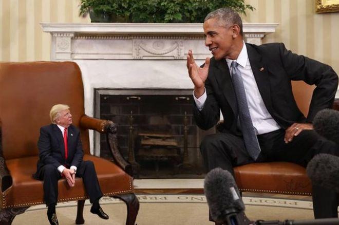 经电脑修改的图片,描述被缩小了的特朗普与前任总统奥巴马会谈
