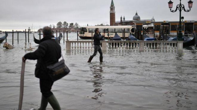 Imagen de Venecia, con la torre de San Marcos al fondo, en la mañana del 13 de noviembre.