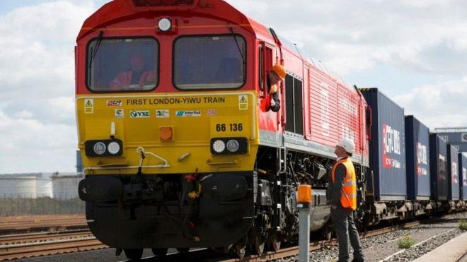 انطلاق أول رحلة لقطار شحن من بريطانيا إلى الصين _95574474_27aab5df-7b81-4bfb-bd3f-bba47012eb7e