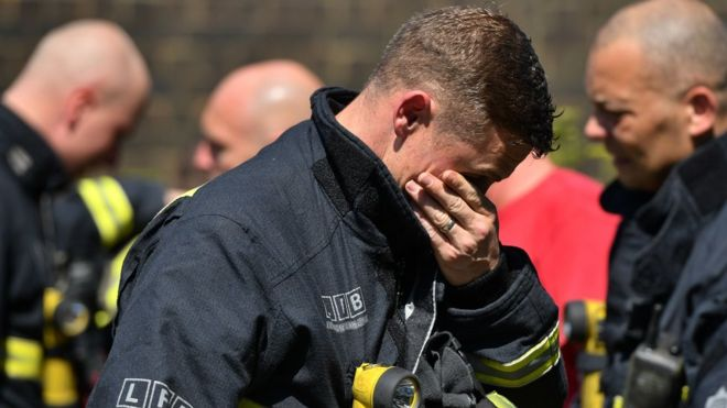 Grenfell Tower: 'Asbestos particles in smoke' could be risk