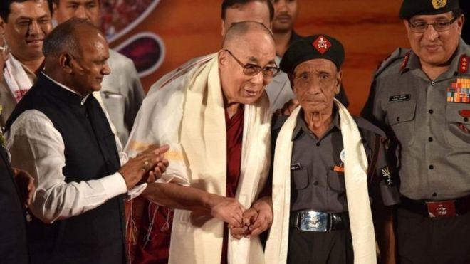 達賴喇嘛稱見到達斯非常非常高興