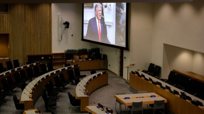 Imagem de Trump na tela da Assembleia Geral da ONU