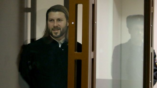 Священника Глеба Грозовского приговорили к 14 годам за педофилию
