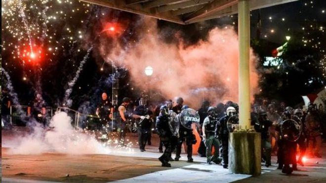 اعتراضات گسترده در آمریکا؛ ترامپ 'اغتشاشگران' را عامل نآرامیها دانست
