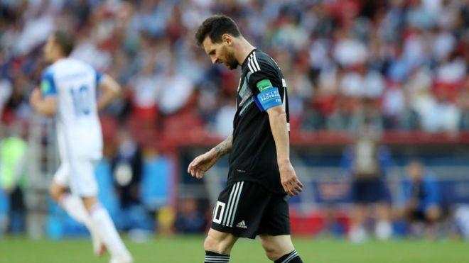 c72327a2e26c1 Rusia 2018  Messi falla un penalti y Argentina no pasa del empate ...