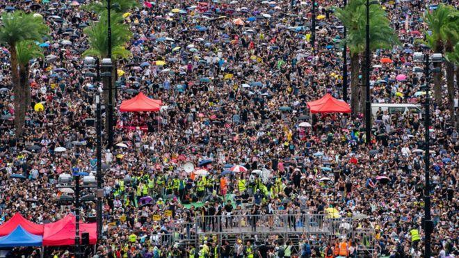 Cuộc biểu tình dân chủ đã kéo sang tuần thứ 11