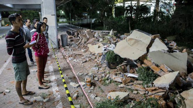 Картинки по запросу фото Землетрясение в Индонезии 2018