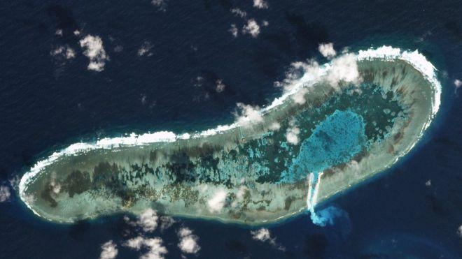 Image result for Hình chụp qua vệ tinh ngày 30/11/2016 cho thấy Việt Nam 'cải tạo Đá Lát' ở Trường Sa