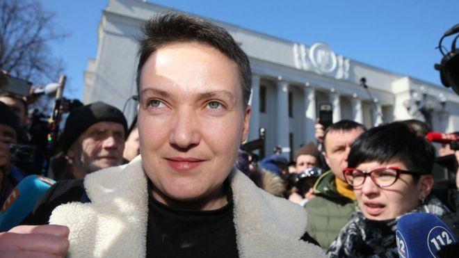 989e33e5781409 Як Савченко вийшла на свободу і що з її справою - BBC News Україна