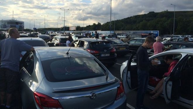Eurotunnel Warns Of Lengthy Delays Due To Migrant Activity Bbc News