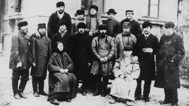 Пациенты из России, излеченные Луи Пастером после нападения бешеного волка (1886 год)