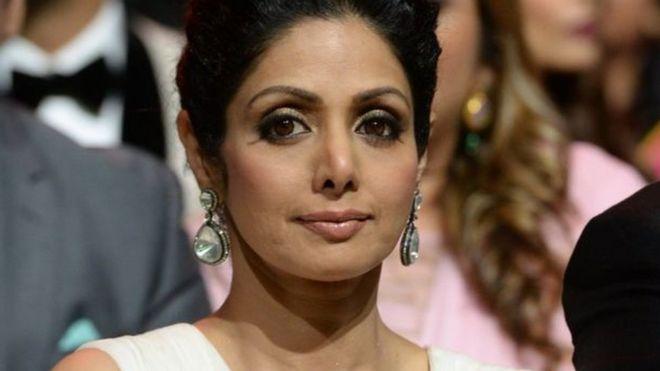 3be58e91ef28b وفاة النجمة الهندية سريديفي كابور أثناء حفل زفاف في دبي - BBC News ...