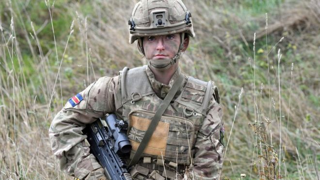 SAS: Women allowed to join for first time - BBC News