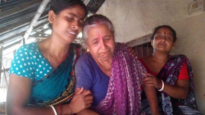 Bangladesh Hindu priest murdered by militants - BBC News
