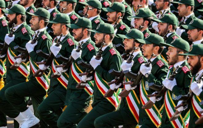 رژه نیروهای سپاه