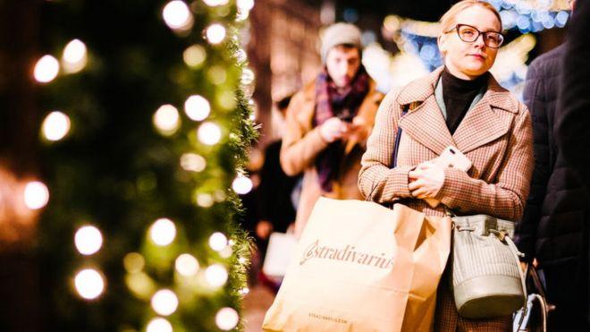 Save Christmas.Can Super Saturday Save Christmas Bbc News