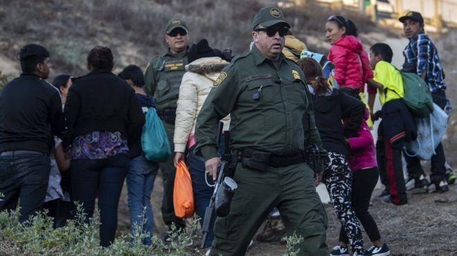 Migrant caravan: Girl dies after being taken into custody at Mexico
