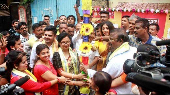 कोलकाता के बेलियाघाट का 33-पल्ली का दुर्गा पूजा पंडाल, फोटो सोर्स: बीबीसी