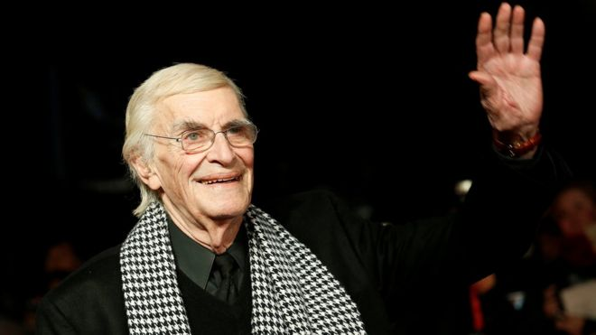 Martin Landau, waving, in 2012