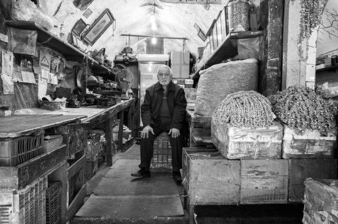 سوق في مدينة طرابلس اللبنانية