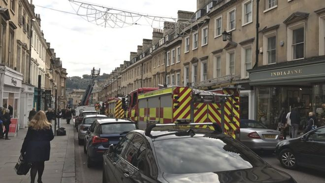 Fire above Jolly\'s department store in Bath \'treated as arson\' - BBC ...