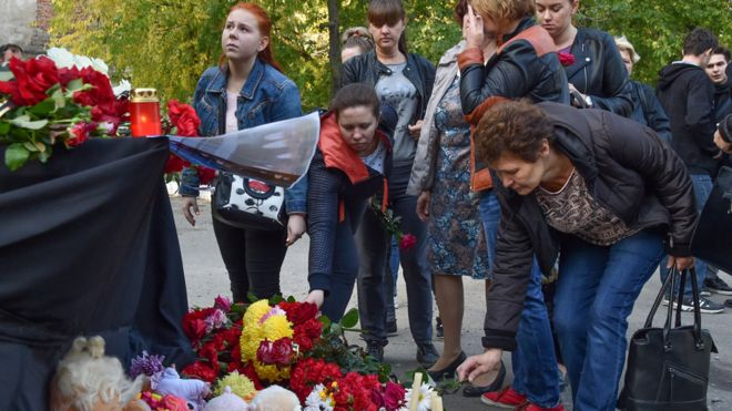 Makeshift shrine at Kerch college, 18 Oct 18