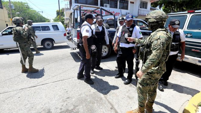 TRAS DESARME DE POLICÍAS SE RESTABLECEN FUNCIONES ADMINISTRATIVAS EN LA SECRETARÍA DE SEGURIDAD PÚBLICA DE ACAPULCO