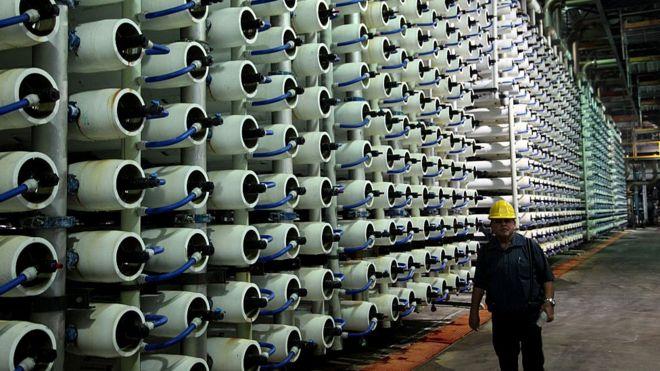 İsrail yüksək texnologiyalar ölkəsidir. Dəniz suyunun duzdan təmizlənməsi üzrə dünyanın ən iri müəssisəsi Təl-Avivdə yerləşir