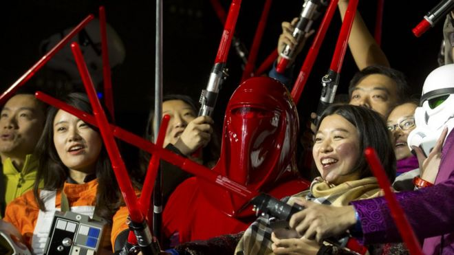 The force awakens cast asian dating