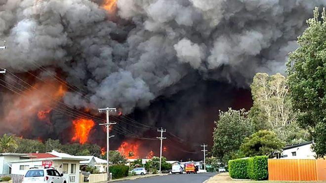 آتشسوزی وسیع در مراتع و جنگلهای استرالیا ادامه دارد