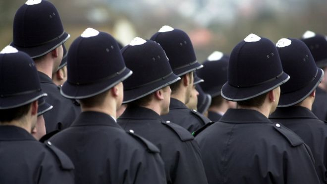 All officers 'should have degrees', says College of Policing - BBC ...