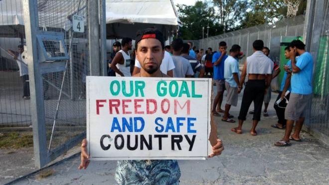 پناهجویان مانوس: مقامات آب تانکها را تخلیه کردهاند