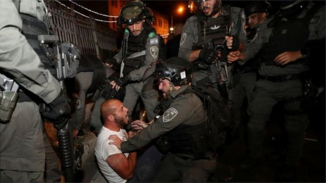 """أفاد التقرير بأن السياسة الإسرائيلية تستهدف """"الإبقاء على هيمنة الإسرائيليين على الفلسطينيين"""""""