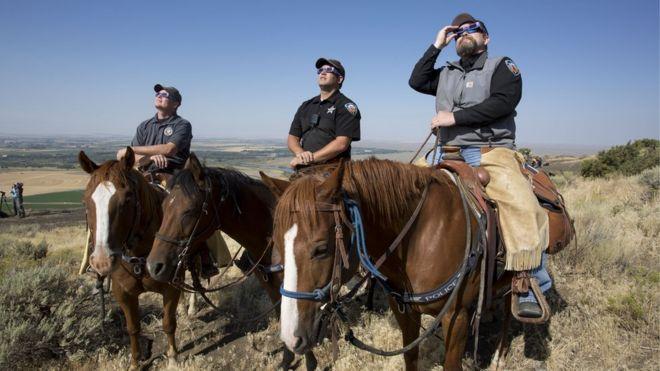 Madison County Şerifinin Toplanan Devriyesi Menan Butte'deki atların üst katmanını 21 Ağustos 2017'de Menah, Idaho'da izledi.
