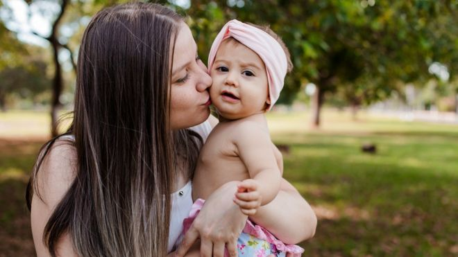 Lauanne e sua filha Aurora