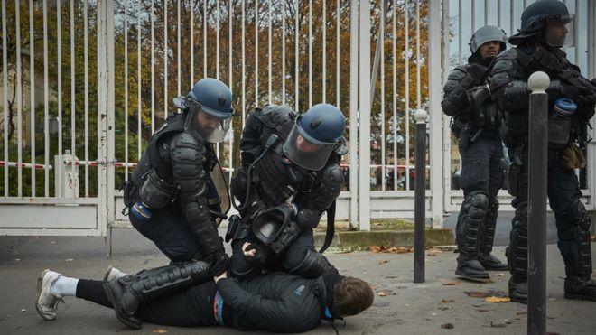 Задержания в Париже