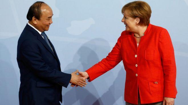 Thủ tướng Đức Angela Merkel và Thủ tướng Việt Nam Nguyễn Xuân Phúc tại Hội nghị Thượng đỉnh G20 ở Hamburg ngày 7/7/2017