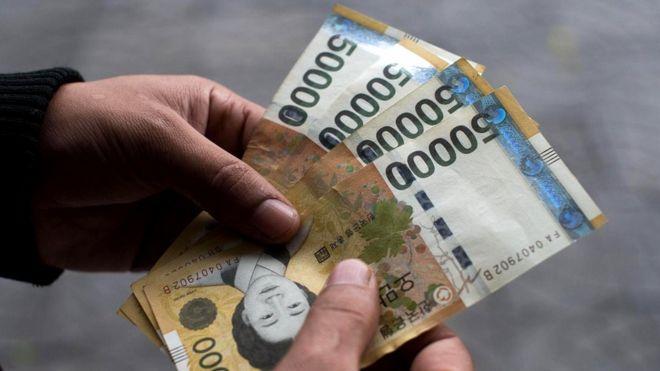 Интенсивный курс вождения стоит от 8800 юаней (1280 долларов) плюс включает в себя несколько экскурсий