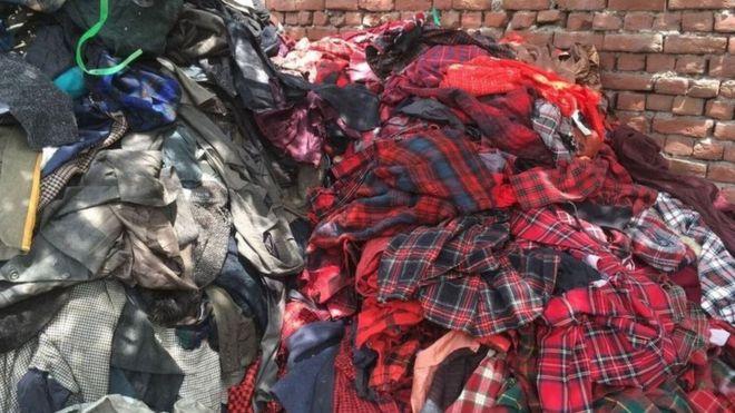 Les vêtements jetés atterrissent en Afrique